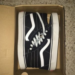 Vans women's size 6 1/2, worn only 2-3 times